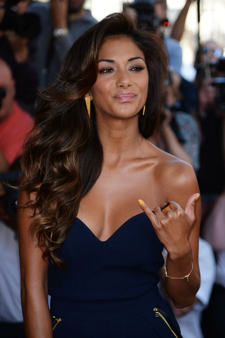 Nicole Scherzinger, hair and makeup perfection.