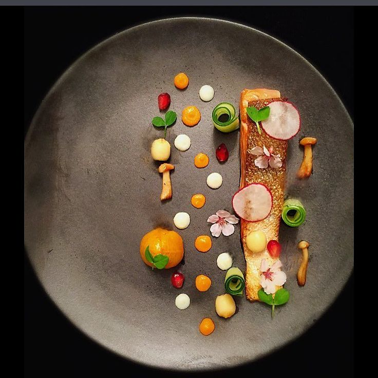 Steelhead Trout. Confit tomato. Carrot and parsnip purées. Pickled lotus seeds. Shimeji mushrooms. #theartofplating #gastroart by macleanskitchen