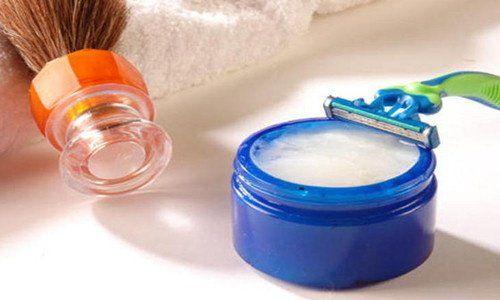 Laissez votre peau douce avec cette crème à raser faite maison