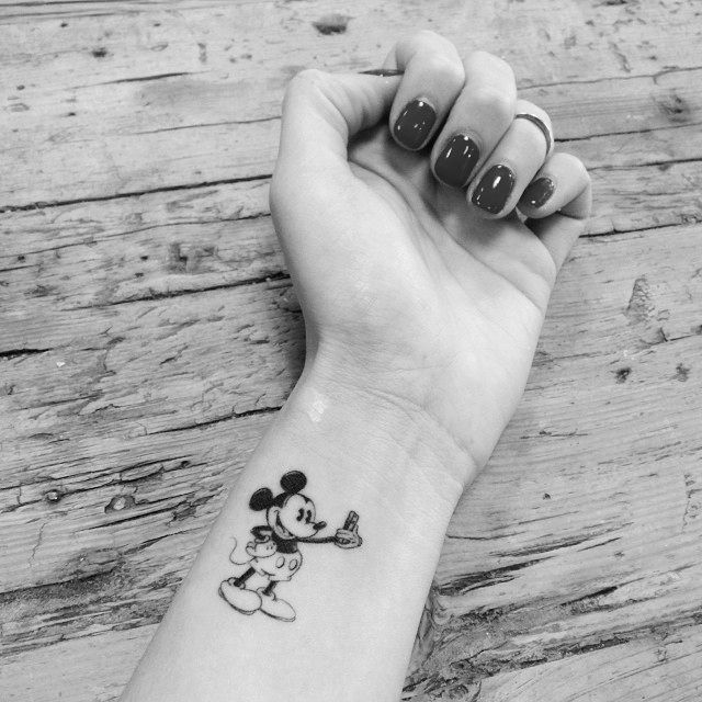 tatouage disney avec mickey