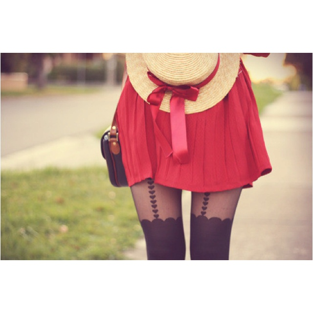 <3: Hats, Outfits, Heart, Hipster Girls, Red Riding Hoods, Bows, Poisons, Cute Tights, Red Skirts
