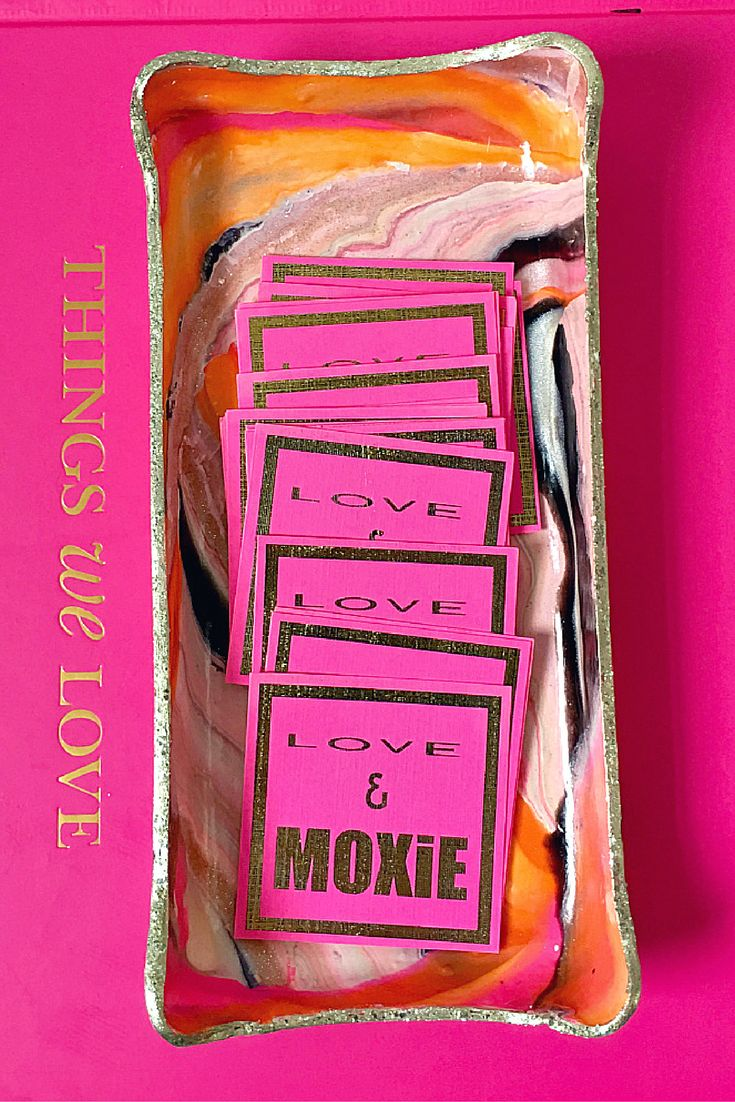 LOVE & MOXiE is a handcrafted, unique line of items to coral life's bits, baubles, & things.  From jewelry to office & crafting supplies to coins, business cards, matches, keys, sunglasses, Q-tips, ear buds, sugar packets and everything in between, we have a quality, fun, and stylish organizational solution for you.