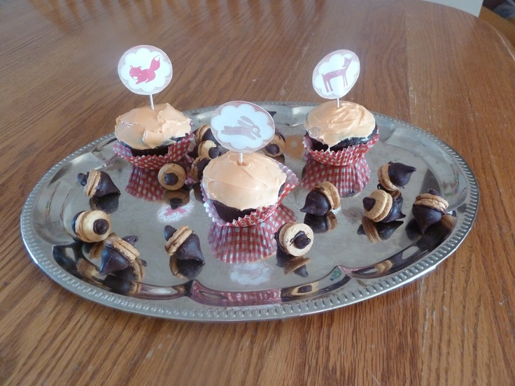 Forest themed birthday party cupcakes and chocolate peanut butter acorns!