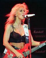 KOČKY SOBĚ: Lita Ford Kis Me Deadly. The first lady of heavy m...
