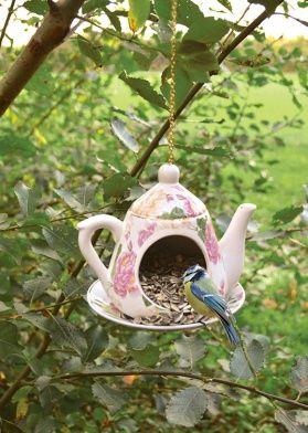 Интернет магазин одежды, аксессуаров и декоров для сада. Garden Girl.Кормушка для птиц «Чайник» , 1350 руб