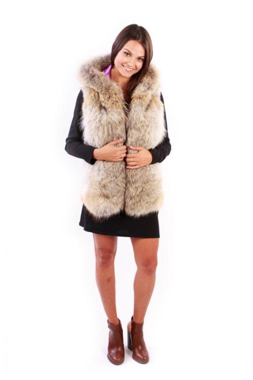 Short Coyote Vest Model Front - Lindo F