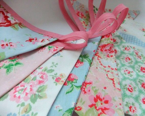 Pretty Shabby Chic Party Bunting - CATHS FLOWERS - 8 Feet. a perfect decoration for Weddings, Birthdays, Baby Showers and Photographs