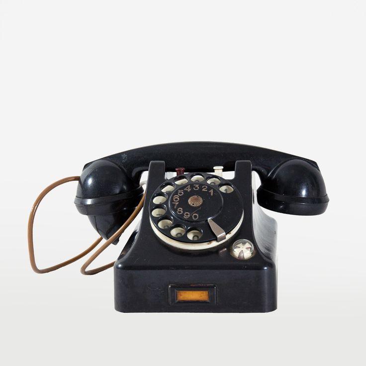Telefon kancelaryjny RWT, lata 50.   Office RWT phone, 50s.   buy on Patyna.pl #phone #black #RWT #office #design #telephone #retro #vintage #vintagefinds #original #Musthave #MANUhomedesign