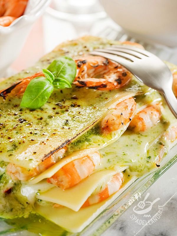 Lasagne light al pesto con i gamberi - Light pesto lasagne with shrimp #lasagne…