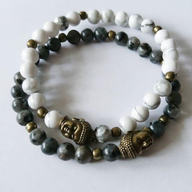 WEBSTA @ esmiliasmycken - White howlite / buffalo turkosLabradorit#bracelet #handmadejewelry #braceletstacks #handmade #mydesignade #armband #beads  #Gems #gemstone #gem #jewelry #jewelrymaking #jewelrydesigner #shop #shopping #fashion #femalefashion #finejewelry #fashionjewelry #etsy #etsyshop #howlite #smycken #bloppis #loppis #buddha #labradorite #handmade #braceletstacks #vintage #femalefashion #retro
