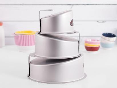 Fat Daddio's Mad Dadder Round Cake Pan Set