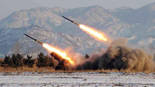 Trente missiles de courte portée ont été tirés samedi en Corée du Nord. [KCNA - AFP]
