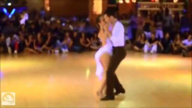 Латиноамериканские танцы, бачата - танцуют профессионалы.