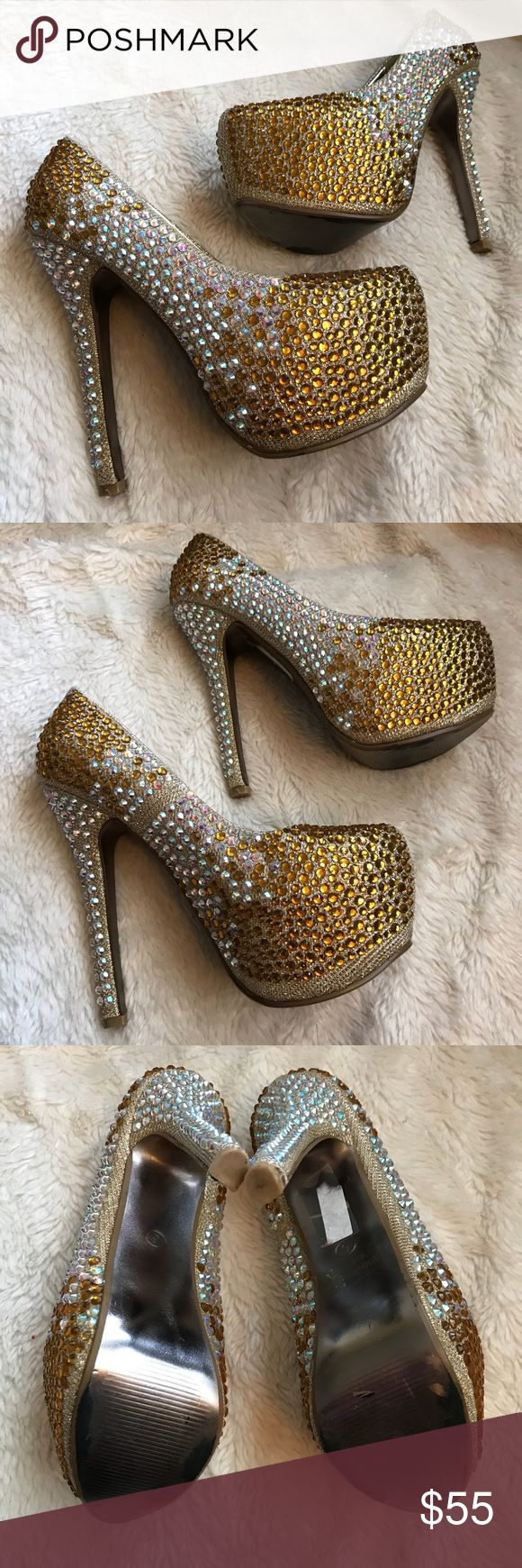 BELLA LUNA 💎 Sparkling✨PLATFORM HEELS Gorgeous Bella Luna crystal platform heels size 6 in great condition! Worn once. One or two small crystals missing on inner R heel as seen in picture but hardly noticeable and on inside of foot. bella luna Shoes Platforms