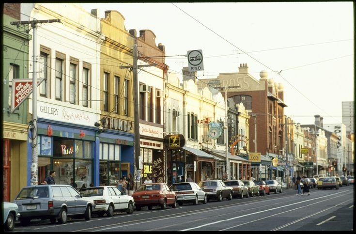 Streetscape, Brunswick Street, Fitzroy, Melbourne Rennie Ellis 1999