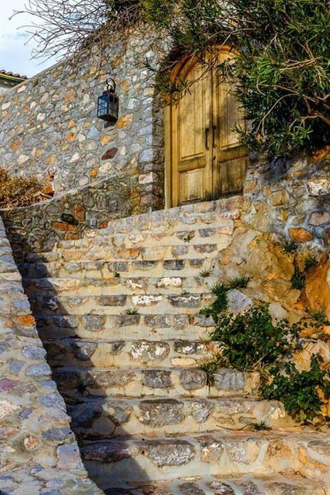 Σκαλοπάτια στην Ύδρα ~ Steps in Ydra island Greece Art & Architecture