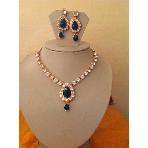 Buy Kundan Choker Necklace Priya Nacc10438c: Excellent Look! Dark Green Kundan Necklace Set