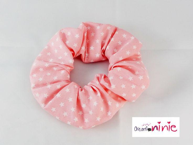 chouchou pour cheveux, élastique rose avec des étoiles blanches : Accessoires coiffure par creation-ninie-baby