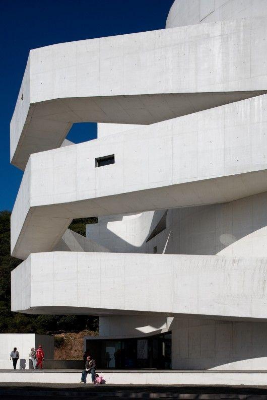 Photos of Álvaro Siza's Fundação Iberê Camargo, by Fernando Guerra