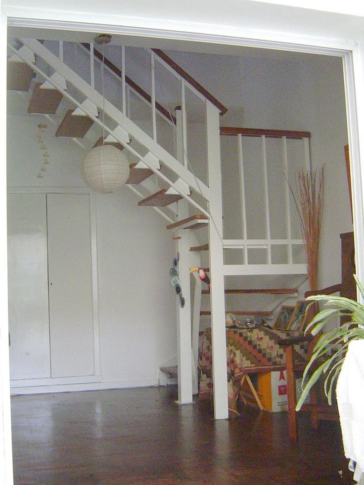 596 best images about casas ecologicas on pinterest for Escaleras para casa chica
