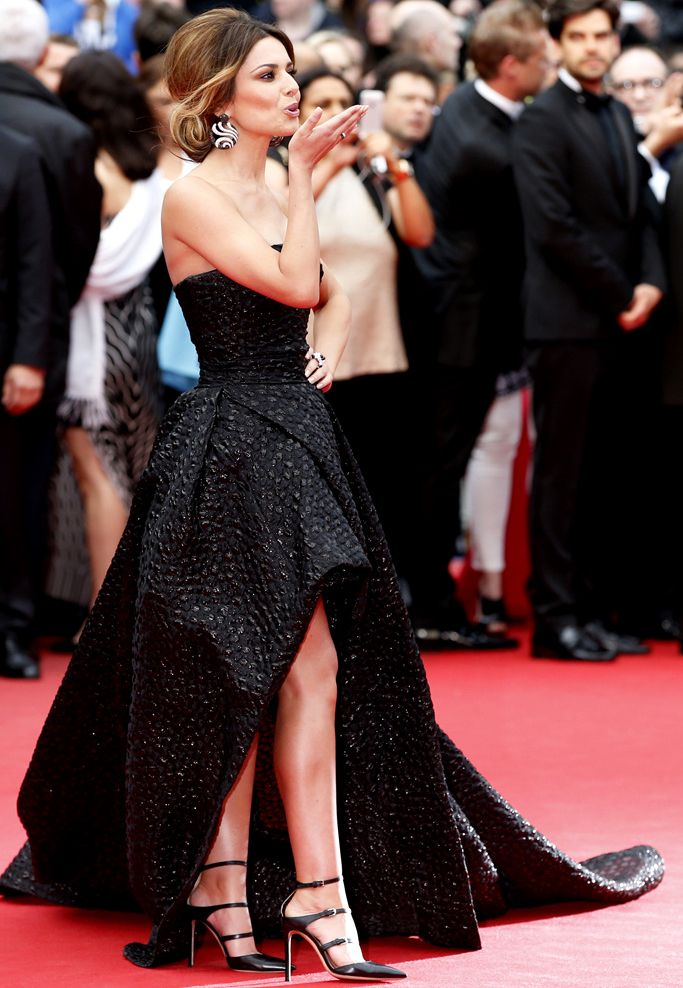 Volume Black Gown Is Trending At Cannes 2014 Cheryl Cole In Round