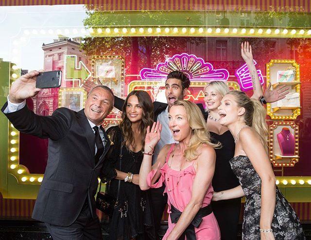 Stars come out to play at Bulgari's summer blockbuster titled Pop (Up) Corn that's taking top billings at Galeries Lafayette Haussmann. Catch this cinema-themed pop-up store and limited edition Bulgari products there till end-July. . . . #bulgari #gallerieslafayette #galleries #popupcorn #popcorn #popup #popupstore #ladolcevita #paris #carolinevreeland #lillyzusaynwittgenstein #jeanchristophebabin #lottiemoss #leilayavari #kittyspencer  via L'OFFICIEL SINGAPORE MAGAZINE INSTAGRAM - Fashion…