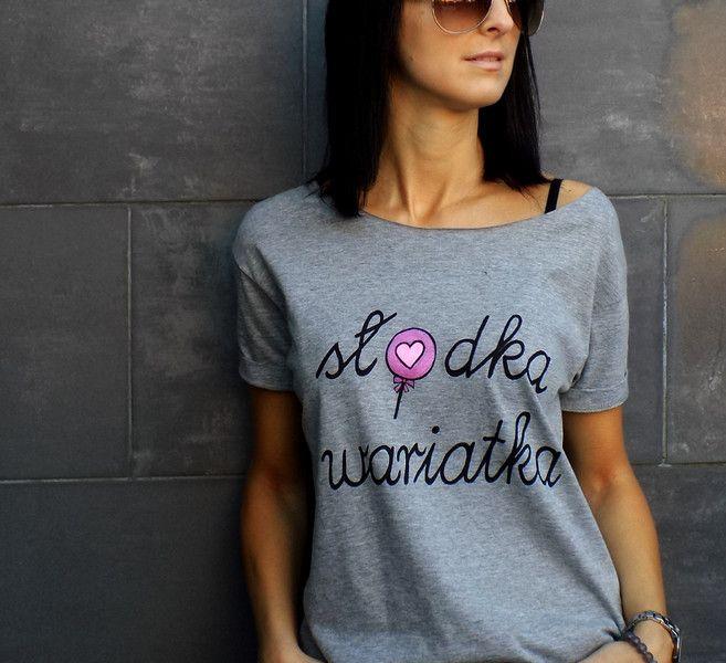 """t-shirt luźny fason """"SŁODKA WARIATKA """" szara/biała - AK-Creativo - Koszulki z napisami"""