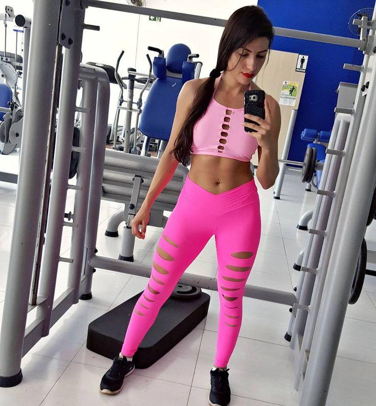 A pantera cor de rosa já treinou hoje e vc? 💪 . . . . . . . . . . . . . .#treino #training #musculação #done #workout #gym #fitness #fitnessgirl #fitnesslife #motivação #inspiração #bodybuilding #shape #instafit #fitgirl #nopainnogain #hardtraining #foco #lifestyle #goals #choices #healthylife #healthylife #addict #muscle #abs #lookfitness #healthylife #addict #muscle #abs