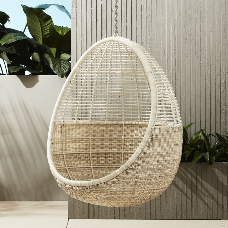 Toll 10 Hanging Chairs Youu0027ll Never Want To Get Out Of. Modern Outdoor Furniture Lounge ...
