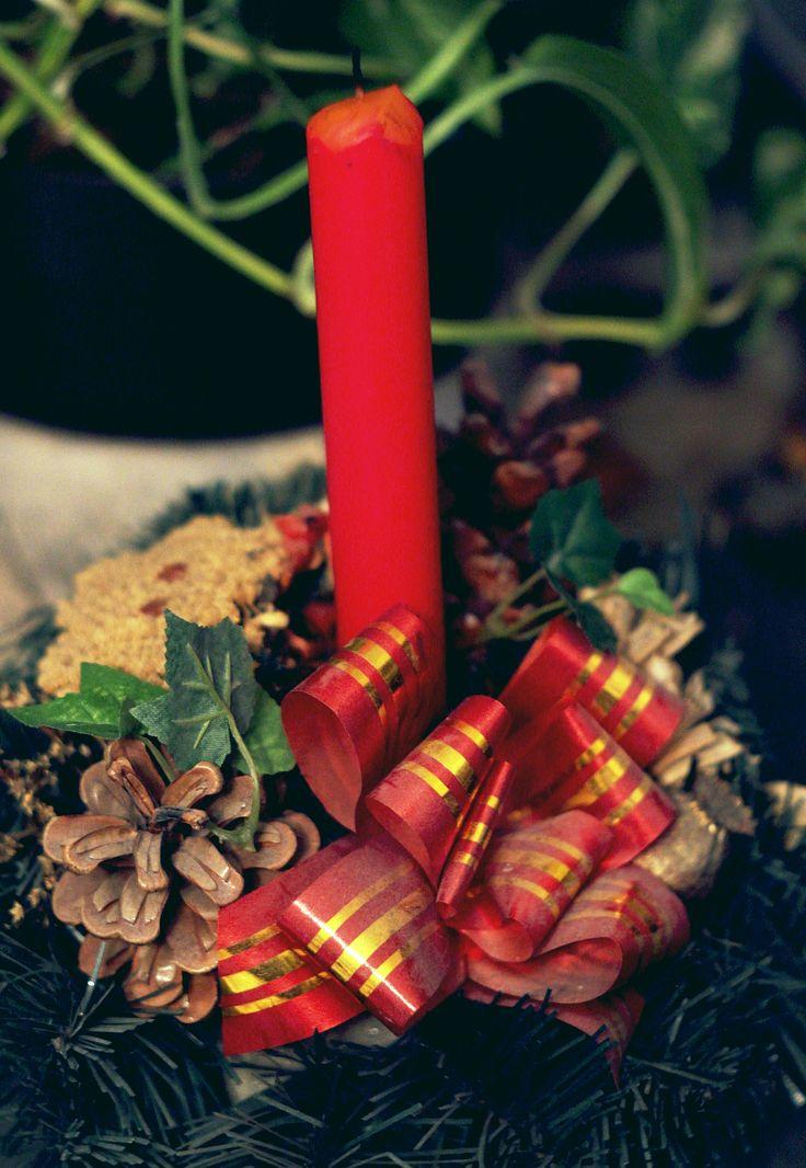 Eredetileg karácsonyi dísz. Most már a szobát díszíti állandó jelleggel.