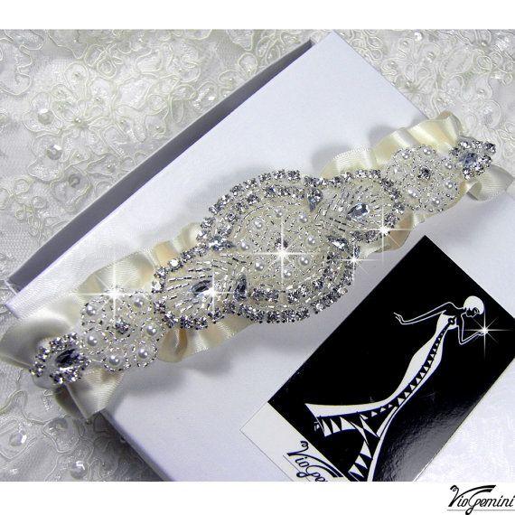 luxury garter setWedding Garters, Ivory Wedding, Luxury Wedding, Rhinestones Garters, Garters Bridal, Sets Ivory, Garters Sets, Bridal Garters, Bridal Accessories