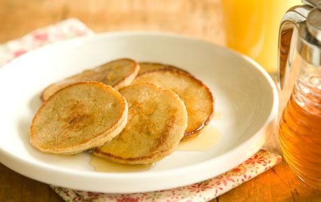 Oatmeal Apple Pancakes // These nutritious and delicious silver dollar pancakes are a great way to get your oatmeal. With only five ingredients, most of which are pantry staples, they're simple to make any day of the week. Top them with your favorite fruit or chopped nuts and then of course some syrup!