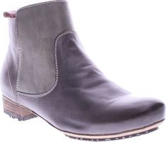L'Artiste by Spring Step Aladyn Boot - Gray Leather with FREE Shipping & Exchanges. The L'Artiste Aladyn is a stylish vintage multi-colored boot with full