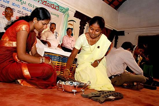 Traditional Games of Karnataka | Karnataka Games | Kambala