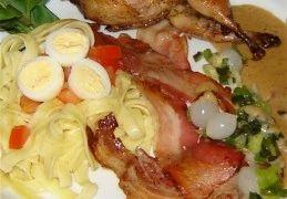 Recept voor Gevulde kwartel met calvadossaus op een bedje tagliatelle