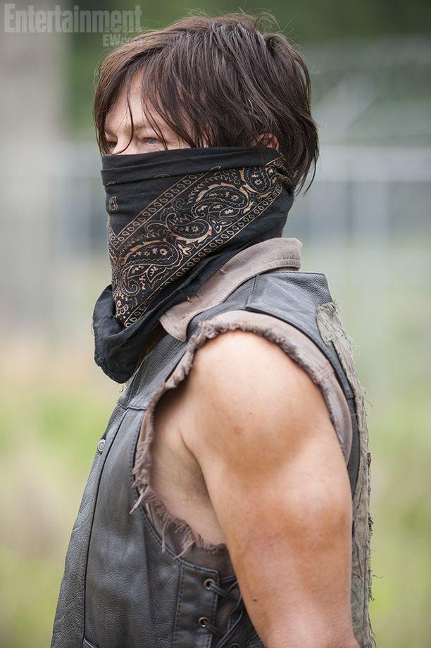 daryl dixon walking dead season 4 | The Walking Dead': Daryl Dixon is a masked man in exclusive season 4 ...