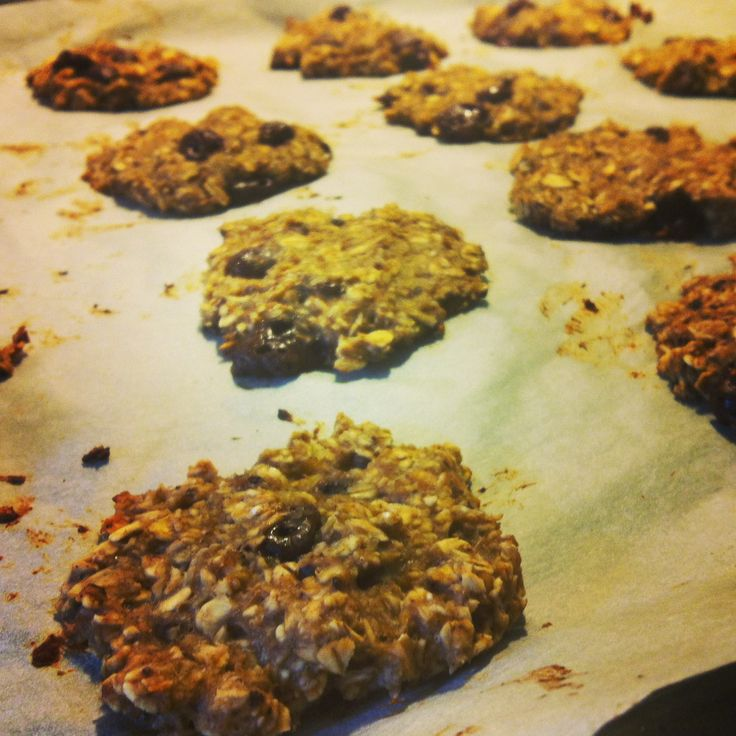 Easy chocolate/oat cookies only sweeted with banana.  3 ½ cup of oats  2 ripe bananas  1 egg white  1 cup of chopped chocolate   mix it all together, and put the cookie dough, on a baking sheet with baking paper and bake the cookies in the oven in 15-20 minutes, with 200 degrees (PS. I used google translate, to translate from danish to english, so i'm sorry if the recipe seems a bit strange :D)