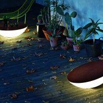 Ablage und Lichtquelle zugleich: Solar Outdoor