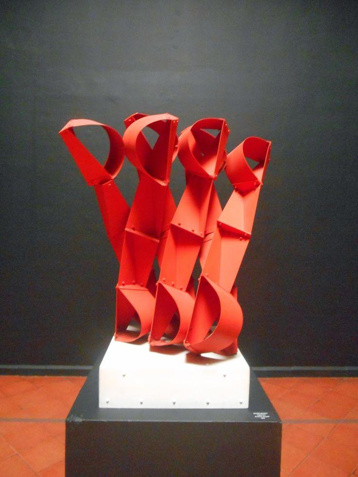Esculturas de Colombia: Vigilantes - Edgar Negret - Roldanillo Valle