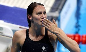 Jazz Carlin celebrates after winning silver.