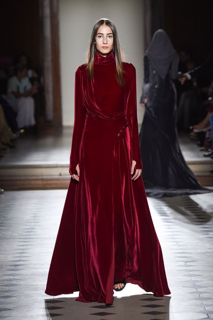 LOOK Number 23 in the First Night collection by Paris-based couturier Julien Fournié.