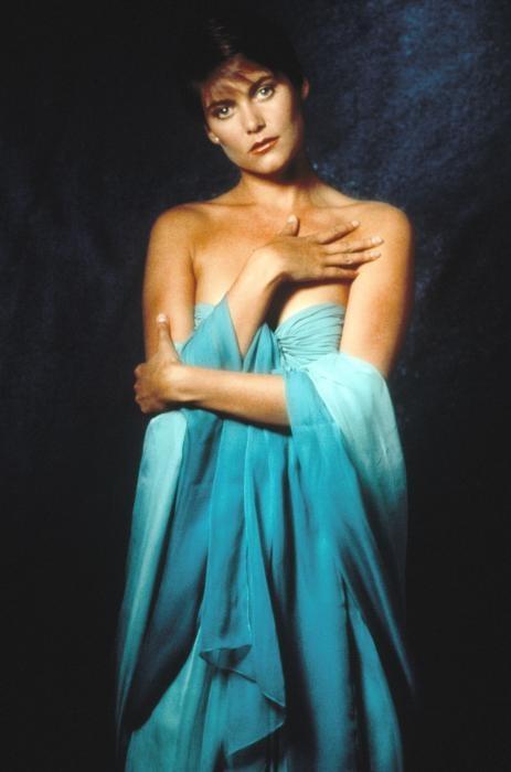 Carey Lowell (Licence to Kill - 1989) : Bond girls ...