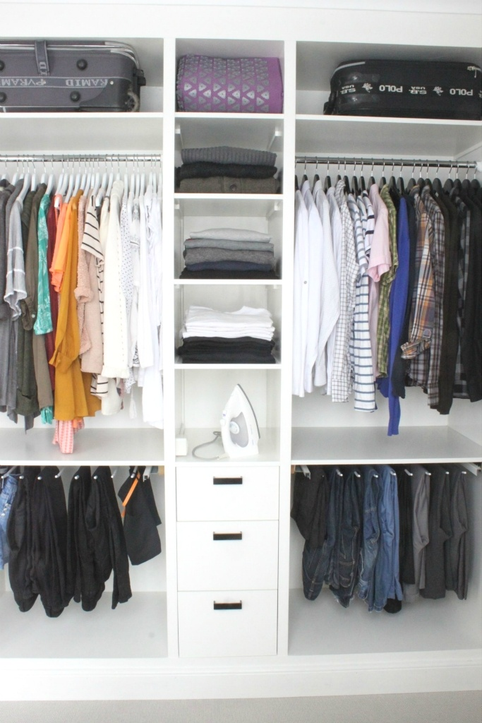 Perfect idea for a simple loking walk in closet (Via blog:It's a house)