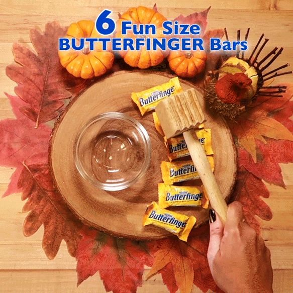 Planning a Thanksgiving party with your friends and searching for the ultimate crowd pleaser? This No-Bake Butterfinger Friendsgiving Pie is quick, easy and oh-so-delicious—perfect for winning at potluck this year!