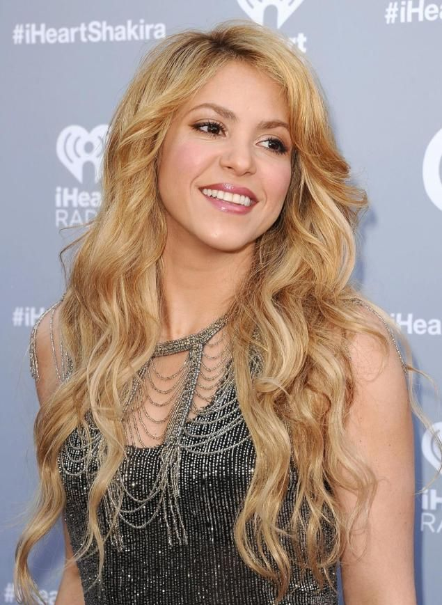 Shakira sparks anger in Spain for singing track in Catalan - NY Daily News