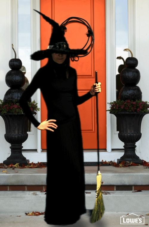 Enjoy a bewitching Halloween with spooky decorating ideas – if you dare. Painted pumpkin topiaries, a wicked wreath, and more are sure to haunt trick-or-treaters.