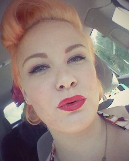 Selfshot, lips, lipstick, pin up make up, victory roll