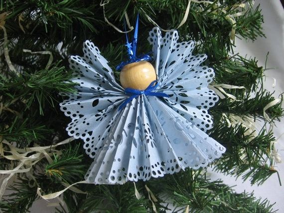 weihnachtsbaumschmuck basteln engel zierdeckchen papier. Black Bedroom Furniture Sets. Home Design Ideas