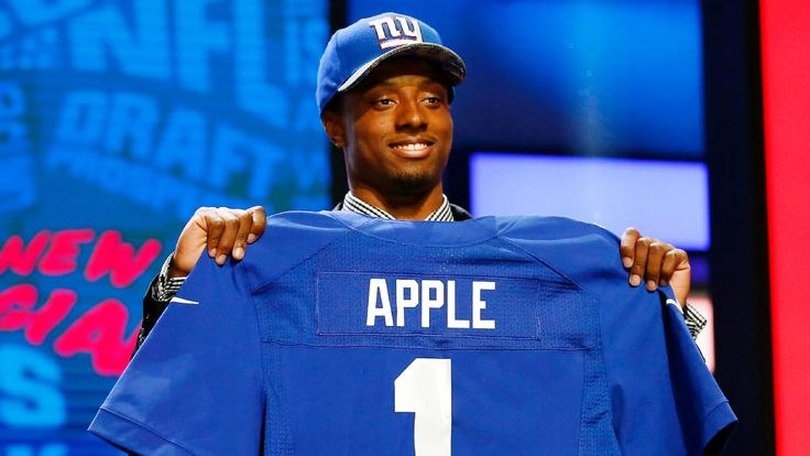 NFL commissioner Roger Goodell sends brownies to the mother of NY Giant's draft pick Eli Apple, in time for Mother's Day.
