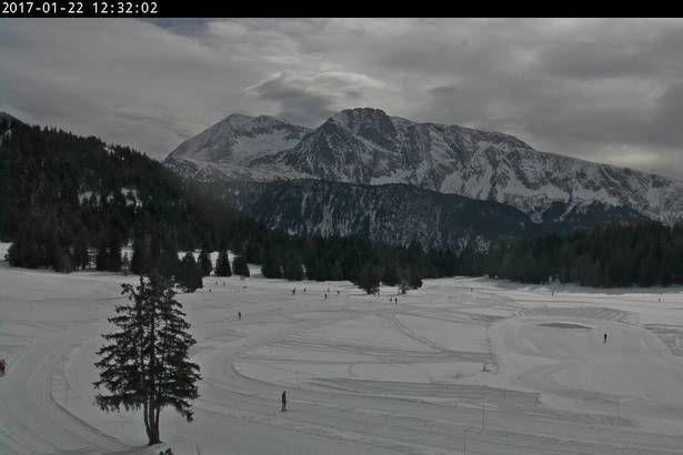 Avant de partir au ski, jetez un dernier coup d'oeil à la webcam de Chamrousse. Les webcams vous permettent de vérifier la météo et les conditions de ski à Chamrousse.